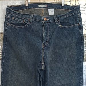 Levi's 550 Relaxed fit jeans- worn size tag